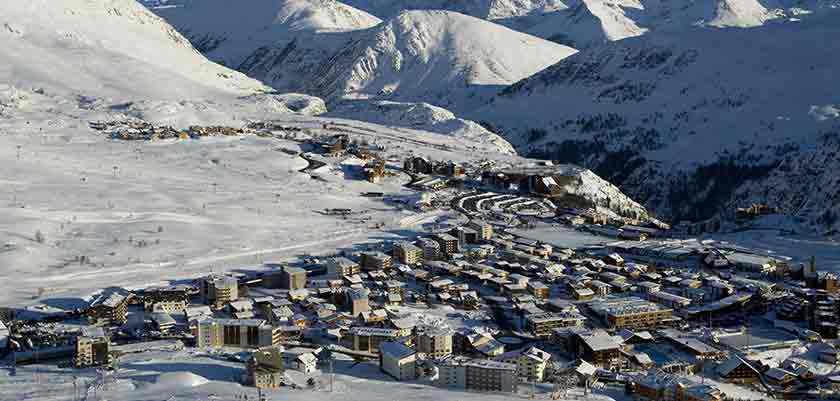 France_alpe_dhuez_view-of-the-resort2.jpg